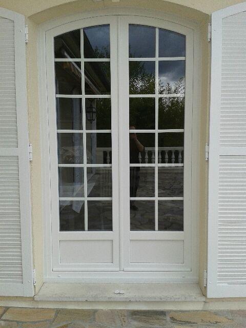 porte PVC blanche