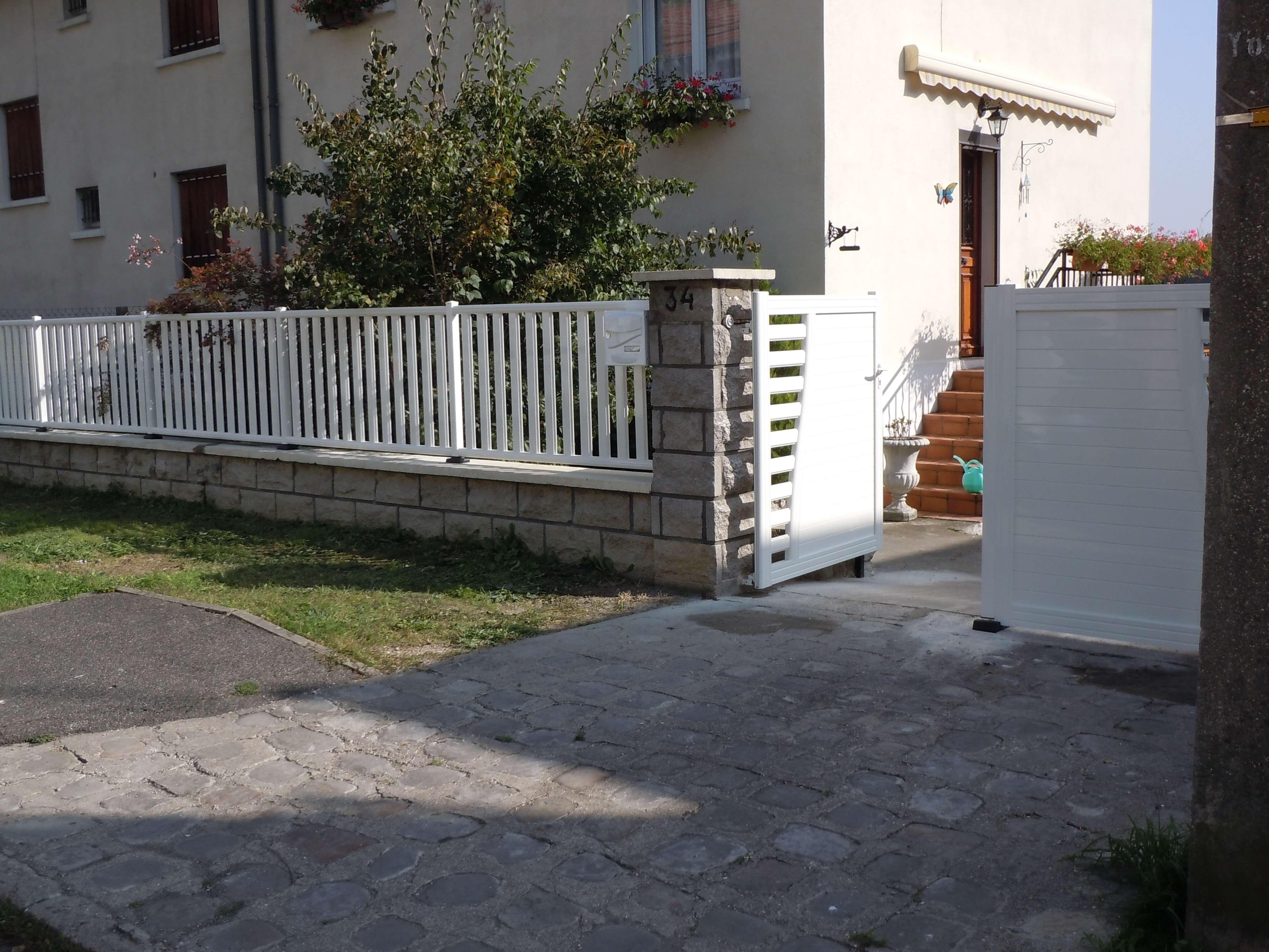 portail en alu blanc