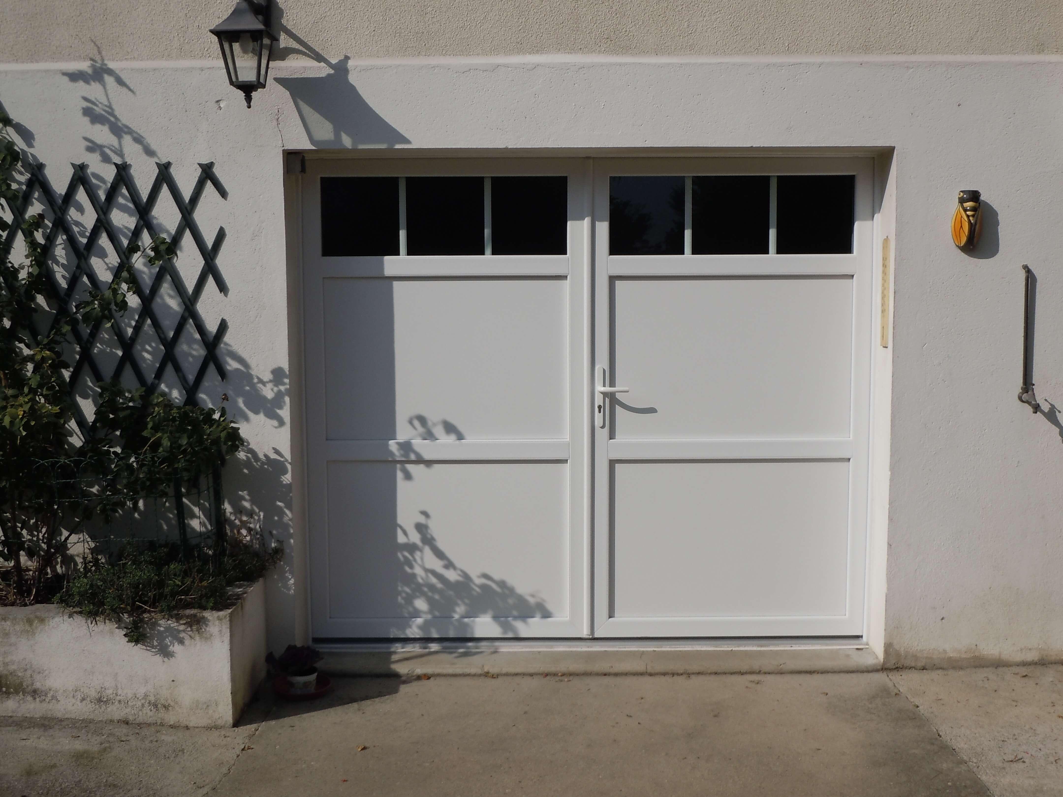 porte de garage pvc blanche