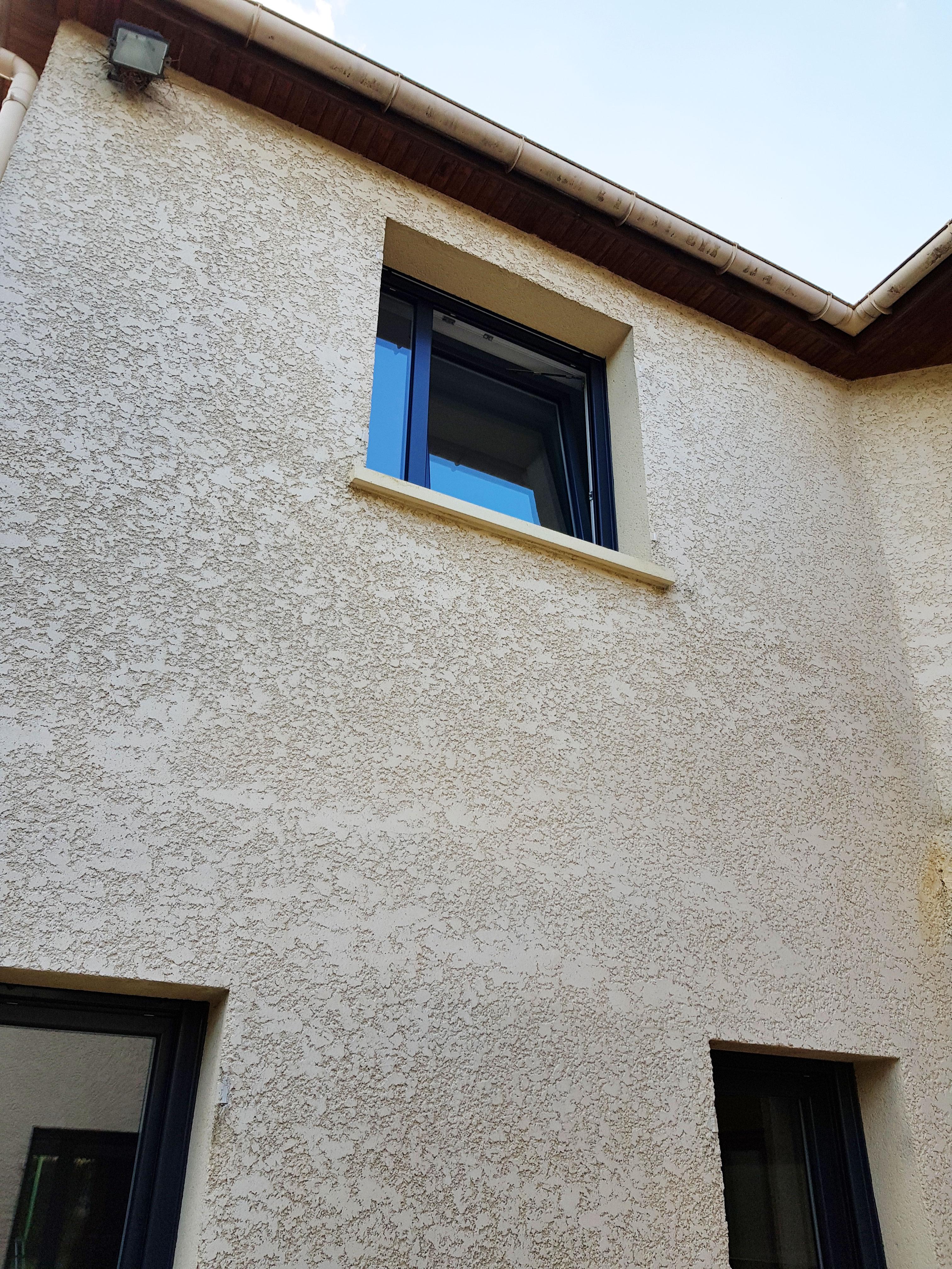 Fenêtre à oscillo-battant et ouverture à la francaise