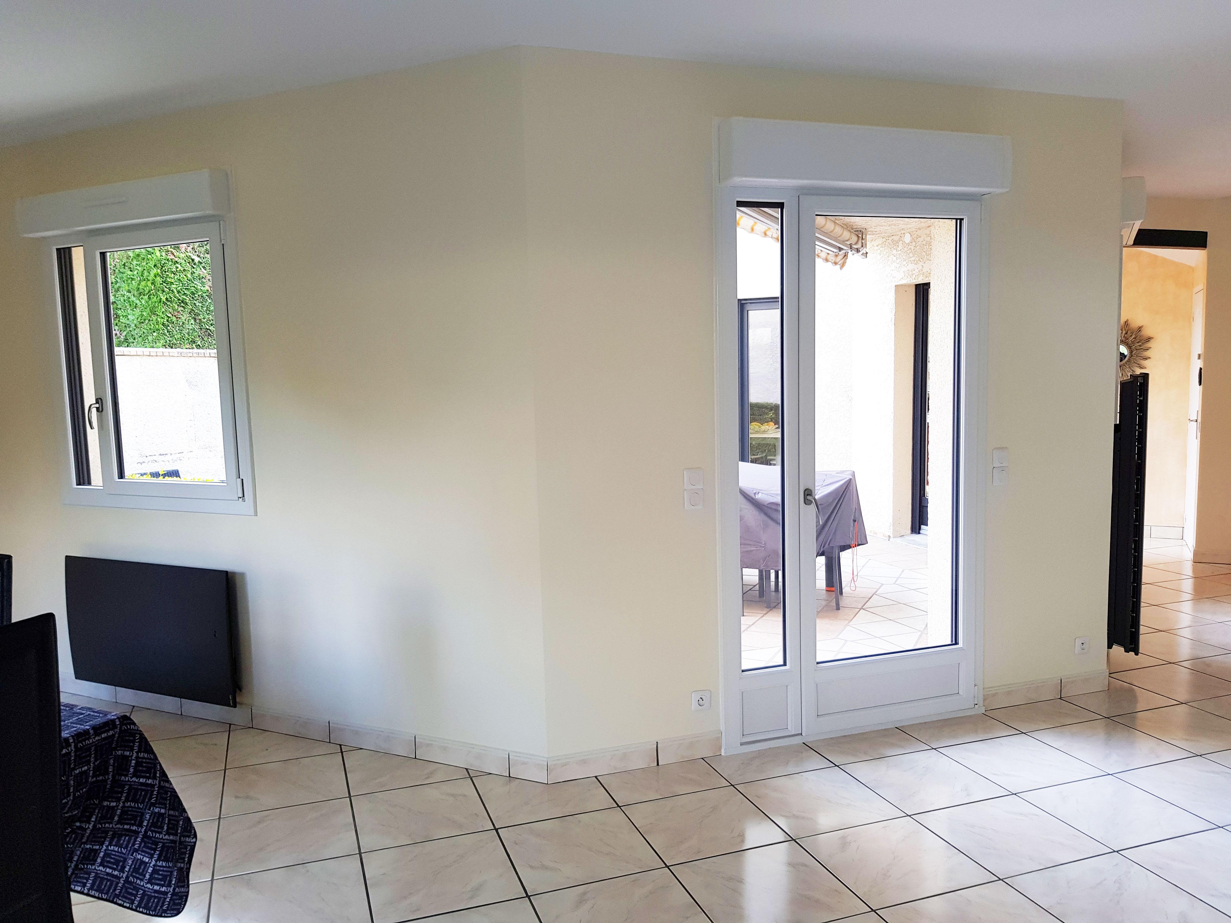 fenêtre et porte fenêtre salle à manger